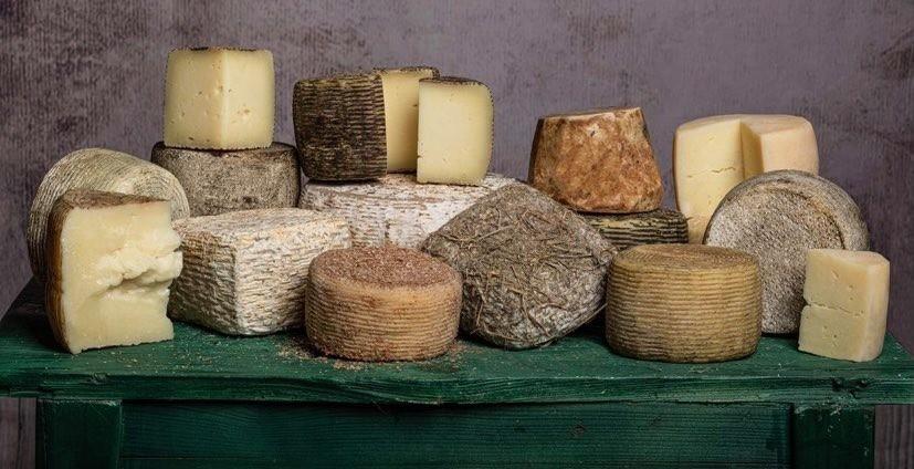 Vasta scelta di formaggi e pecorini della nostra terra.